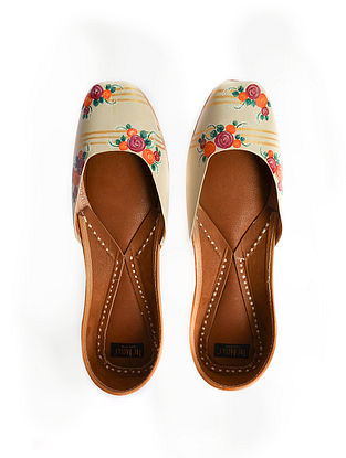 Beige-Multicolored Handpainted Leather Juttis