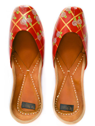 Red Gold Handpainted Leather Juttis