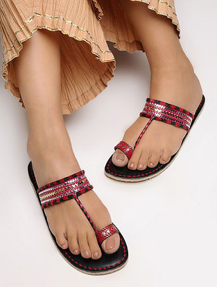 Black-Red Toe Ring Leather Flats with Tilla Embroidery