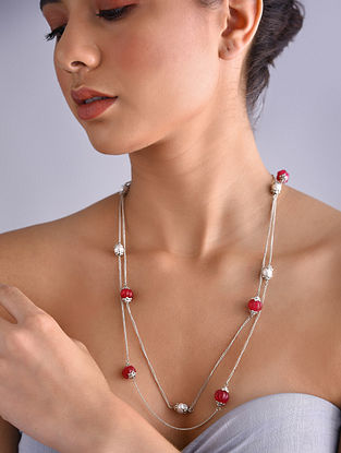 Red Silver Tone Pearl Beaded Necklace