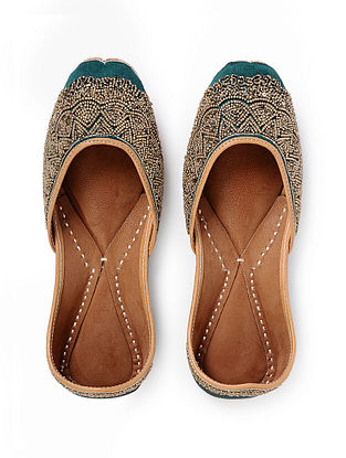 Dark Green Handcrafted Embroidered Silk and Leather Juttis