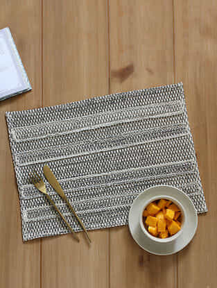Hammock Beach Black Handcrafted Cotton Placemat (13in x 19in)
