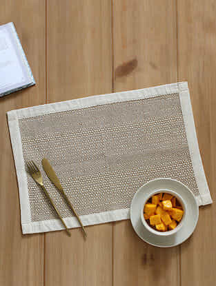 Mararikulam Beige Handcrafted Cotton and Jute Placemat (13in x 19in)