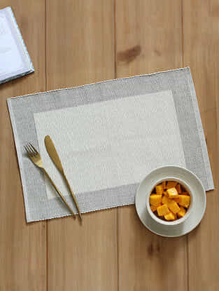 Tarangam Grey and White Handcrafted Cotton Placemat (13in x 19in)