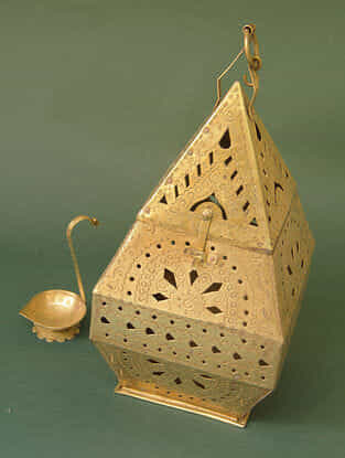Handcrafted Brass Hanging Lamp (L:13.5cm, W:13.5cm, H:28.5cm)