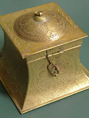 Handcrafted Brass Ajab Gazab Dabba (L:17cm, W:17cm, 14cm)