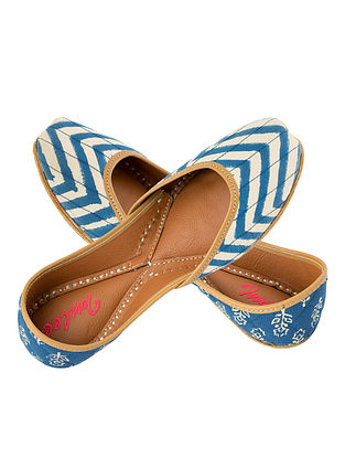 Blue-Ivory Block-printed Chevron Cotton and Leather Juttis for Women