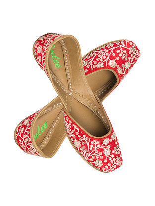 Red-White Sequin-Thread Embroidered Leather Jutti