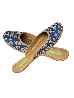 Blue-Beige Thread Embroidered Leather Mojaris