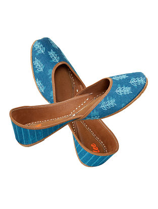 Blue Dabu Printed and Embroidered Leather Jutti