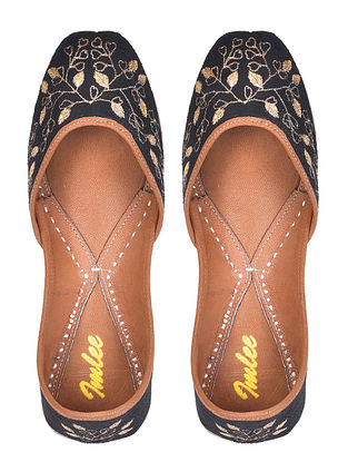 Black Gold Hand Embroidered Leather Jutti