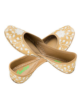 Gold-Ivory Thread Embroidered Silk and Leather Juttis for Women