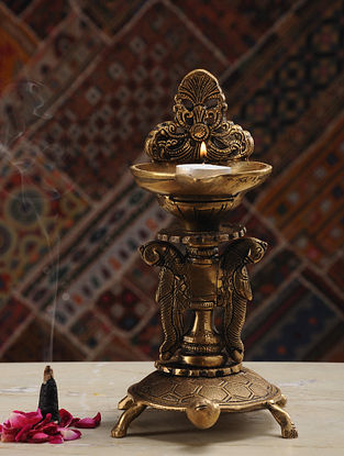 Brass Lamp (L- 7.5in, W- 5in, H- 9.6in)