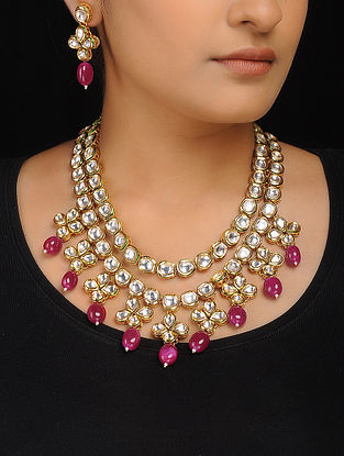 Red Kundan-Inspired Necklace with a Pair of Earrings (Set of 2)