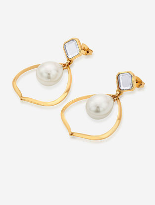 White Gold Plated Onyx Brass Earrings with Pearl