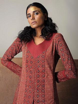 Madder-Black Layered Ajrakh Cotton Kurta with Top Stitch by Jaypore
