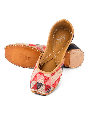 Multicolored Handcrafted Jute and Leather Juttis