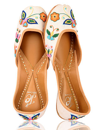 White-Multicolored Handcrafted Silk and Leather Juttis
