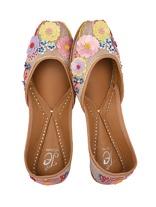 Beige-Multicolored Handcrafted Silk Juttis