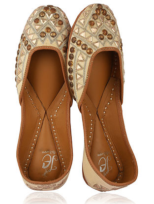 Beige-Gold Embroidered Silk Juttis