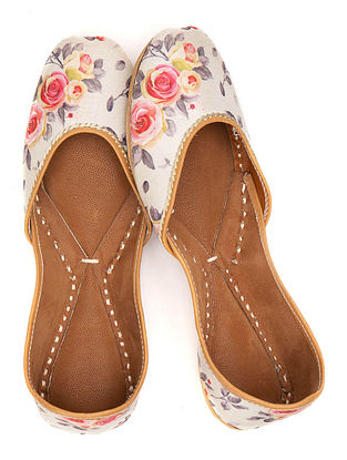 Cream Multicolored Printed Leather Juttis