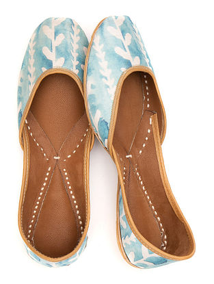 Powder Blue White Printed Leather Juttis