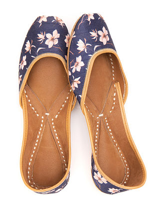 Blue Pink Handcrafted Printed Leather Juttis