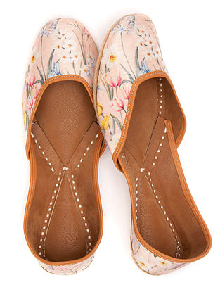 Peach Multicolored Handcrafted Printed Leather Juttis