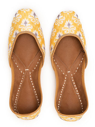 Yellow White Handcrafted Printed Leather Juttis