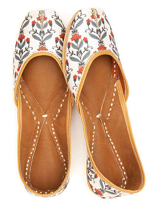 White Grey Handcrafted Printed Leather Juttis