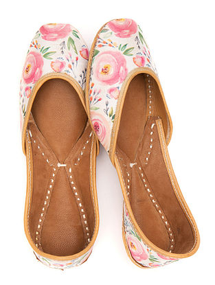 White Multicolored Handcrafted Printed Leather Juttis