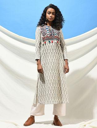ADALAJ NI VAV - Ivory-Black Handloom Ikat Cotton Kurta with Jat Embroidered Yoke with Tassels