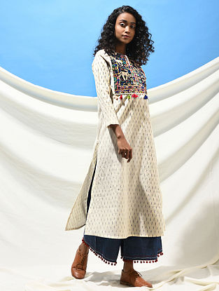 NAVGHAN KUVO - Ivory-Black Handloom Ikat Cotton Kurta with Jat Embroidered Yoke with Tassels