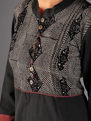Black - Beige Pintuck Ajrakh Detailed Cotton Kurta By Jaypore