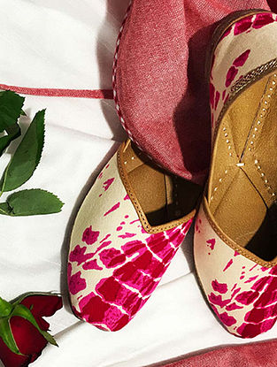 Pink-White Handcrafted Leather Juttis