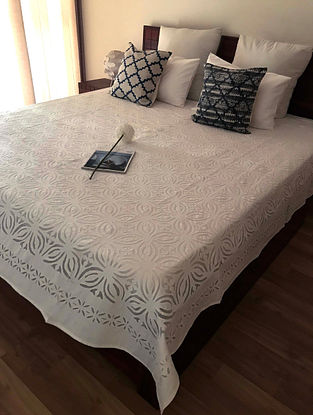 Shannon Splendour White Hand Crafted Applique Cotton and Organza Bedcover (108 x 90)