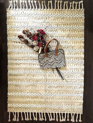 Cascadia Savanna Off-White and Beige Handwoven Cotton Rug (6ft x 4ft)