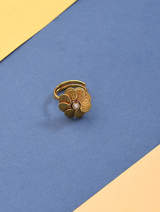 Gold Tone Kundan Ring with Pearls