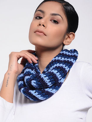 Blue Wool Loop