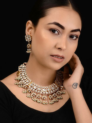 Green Kundan-inspired Gold Tone Silver Necklace with a Pair of Earrings (Set of 2)