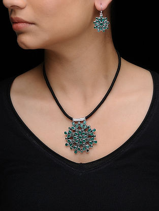 Green Silver Necklace with a Pair of Earrings (Set of 2)