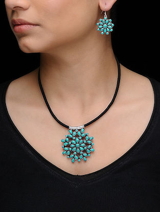 Turquoise Silver Necklace with a Pair of Earrings (Set of 2)
