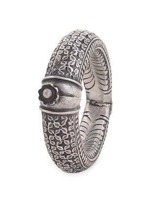 Hinged Opening Tribal Silver Bangle (Bangle Size 2/6)
