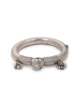 Hinged Opening Vintage Silver Bangle (Bangle Size: 2/8)