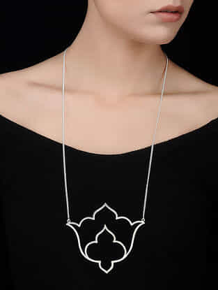 Classic Silver Necklace with Floral Design