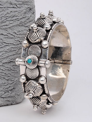 Tribal Silver Hinged Bangle (Bangle Size: 2/4)