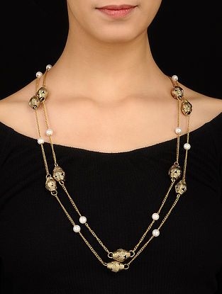 Gold Tone Necklace with Pearls