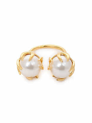 Gold Tone Silver Ring with Pearls (Ring Size: 6.5)