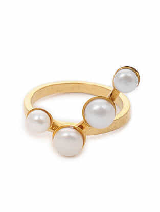 Gold Tone Silver Ring with Pearls (Ring Size: 6.1)