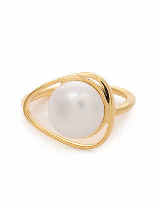 Gold Tone Silver Ring with Pearl (Ring Size: 7)